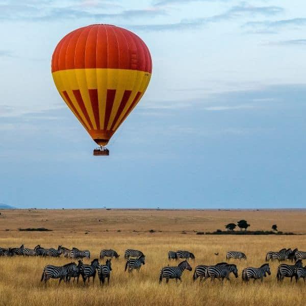 Hot air ballon on safari in Africa