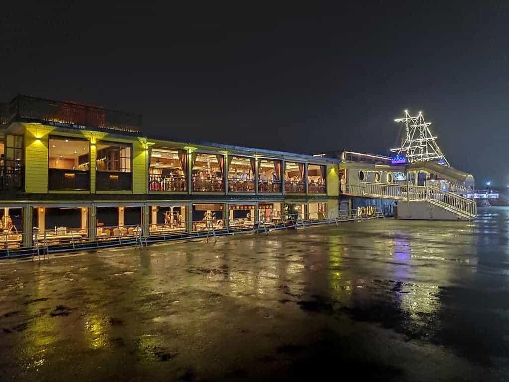 Bonsai buffet Saigon River Cruise