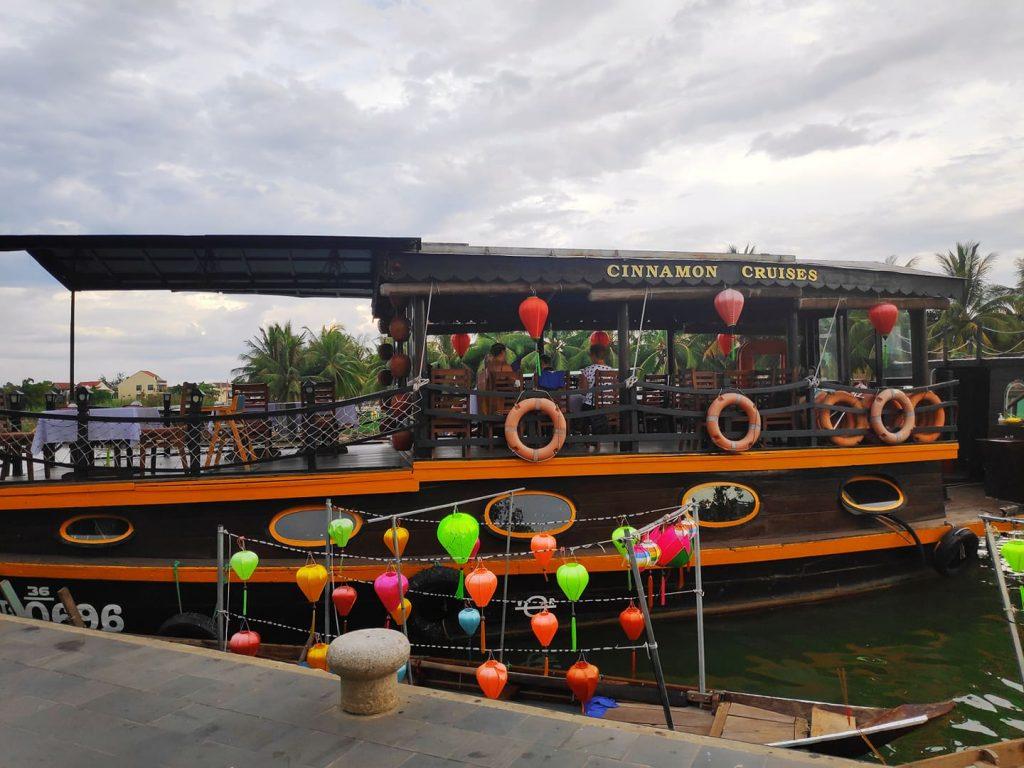 Cinnamon boat