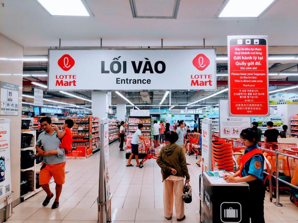 Entry to Lotte Mart in Da Nang