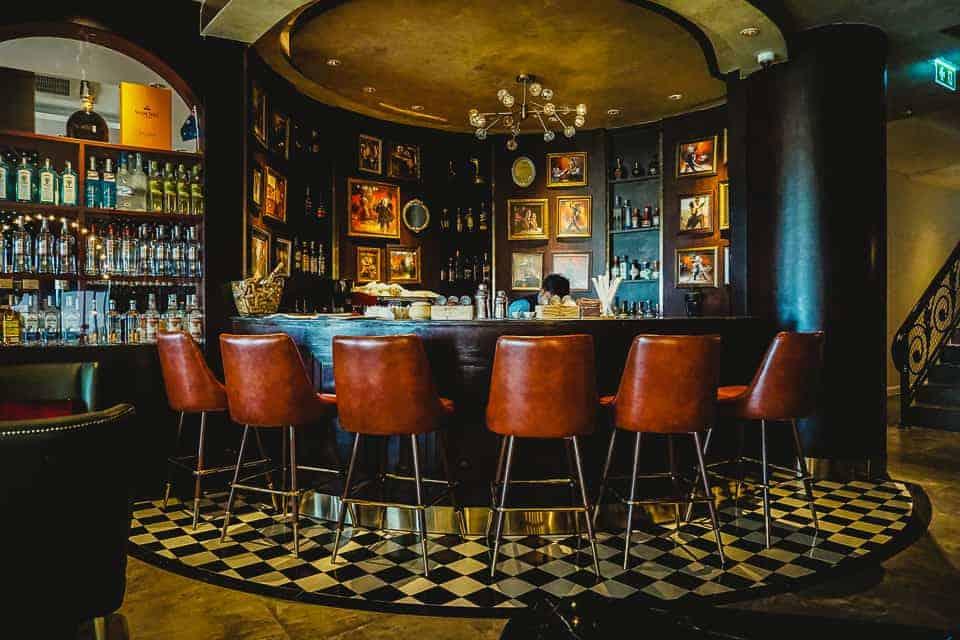 The bar at Burasari