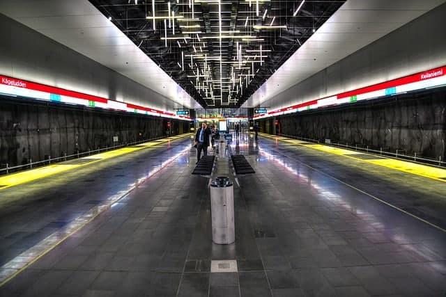 platform on the Helsinki metro