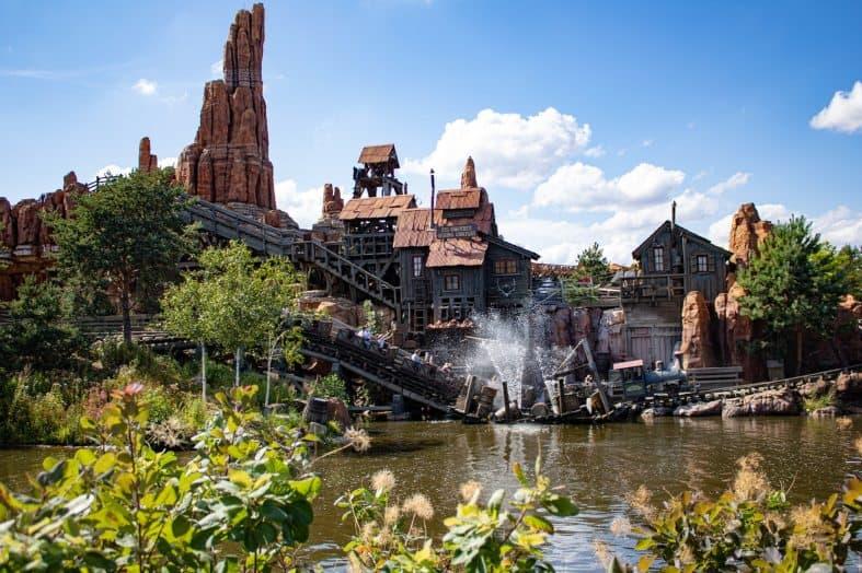 a wild west themed ride at Disneyland Paris